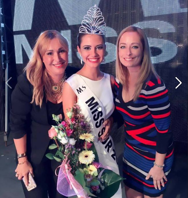 Miss Sur Tenerife 2016, the young pharmacy student Paula Pérez was elected Miss South 2016, at a gala held last night at the Plaza of Spain Adeje, Tenerife