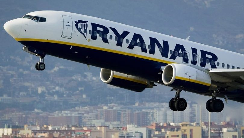Ryanair launch 8 days of huge Black Friday flight deals Tenerife - with seats starting from just £9.99