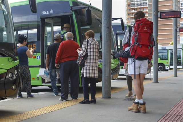 Titsa Tenerife bus increases passengers by 3.3% in 2016 to 33.7 million