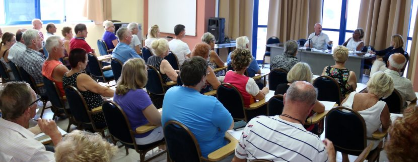 Over 80 British nationals, resident here in South Tenerife, attended the public part of Mr Hemming's visit