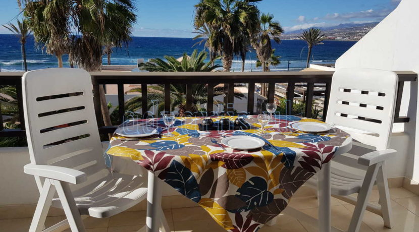 Oceanfront apartment for sale in very popular holiday complex of Parque Santiago II in Playa de Las Americas, Tenerife
