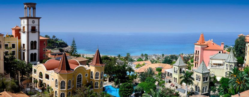 TUI recognizes the Bahia del Duque 5 star hotel Tenerife with two awards