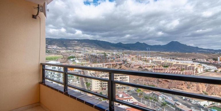 1-bedroom-apartment-for-sale-in-playa-paraiso-tenerife-38678-0109-02