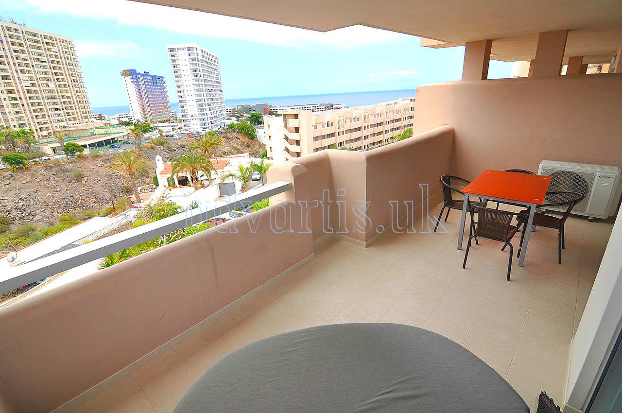 2 bedroom apartment for sale in Playa Paraiso, Tenerife €261.000